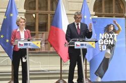 Předsedkyně Evropské komise Ursula von der Leyenová a premiér Andrej Babiš