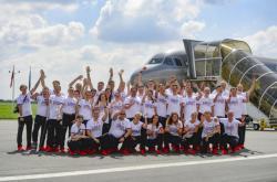 Česká výprava 16. července 2021 na letišti v pražských Kbelích před odletem na olympijské hry do Tokia