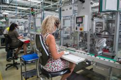 Montážní linka písecké firmy Schneider Electric