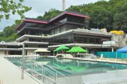 Bazén u hotelu Thermal před otevřením