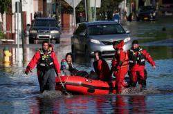 Záplavy po přívalových deštích v důsledku bouře Ida