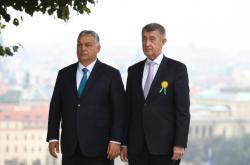 Premiér Andrej Babiš (vpravo) přijal maďarského premiéra Viktora Orbána