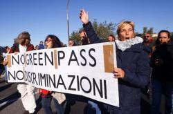 Protest proti covidovým pasům