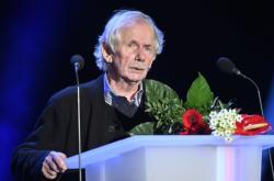 Cenu za literaturu dostal básník Miloslav Topinka