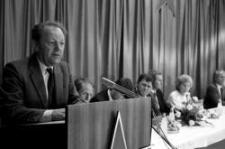 Miloš Jakeš v Červeném Hrádku v červenci 1989