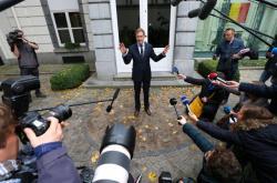 Premiér Valonska Paul Magnette oznamuje dohodu ohledně CETA