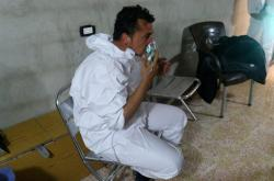 Muž po údajném chemickém útoku v provincii idlib