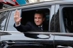 Emmanuel Macron míří do svého volebního štábu
