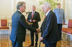Prezident Miloš Zeman jmenoval Stanislava Štecha novým ministrem školství