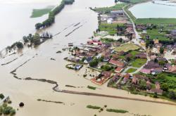 Zaplavená obec Zálezlice