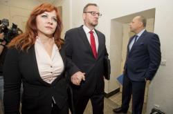 Expremiér Petr Nečas a jeho manželka Jana Nečasová (dříve Nagyová) u pražského soudu