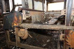 Následky požáru v Karnole