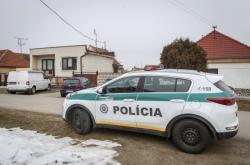 Policie u domu Jána Kuciaka