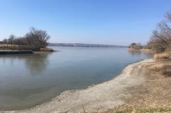 Málo vody v rybníku Nesyt