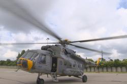 Helikoptéra na vojenském letišti v Pardubicích