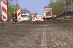 Oprava silnice I/50 u Slavkova