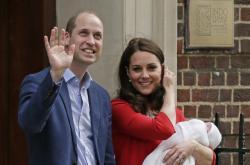 Princ William s vévodkyní Kate a novorozeným synem