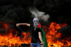 Mladý Palestinec v den nakby
