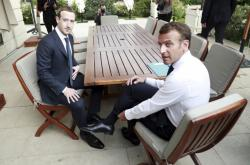 Mark Zuckerberg po obědě s Emmanuelem Macronem