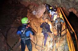 Záchranná operace v thajské jeskyni