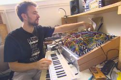 Na syntezátory z Moravy hrají světově známí hudebníci