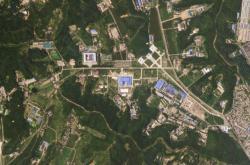 Satelitní záběry severokorejské základny Sanumtong