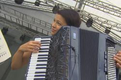 Hudební festival Špilberk zahájí lotyšská akordeonistka