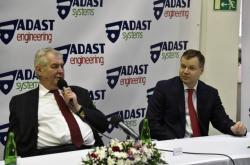 Prezident republiky Miloš Zeman na návštěvě podniku Adast System v roce 2016