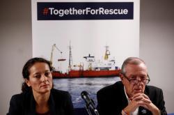 Sophie Beau a Francis Vallat z organizace SOS Mediterranée
