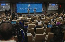 Brífink Donalda Tuska a Jeana-Clauda Junckera po summitu EU