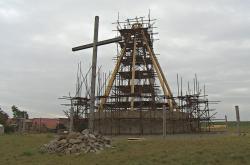 V Nesvačilce roste kaple bez jediného hřebíku