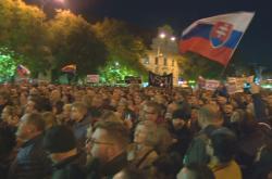 V centru Bratislavy opět demonstrovaly tisíce lidí