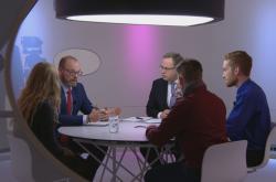 Ministr školství Robert Plaga v debatě se studenty v pořadu Otázky Václava Moravce