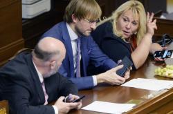 Ministři Miroslav Toman, Adam Vojtěch a Klára Dostálová