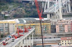 Demolice zbytku Morandiho mostu