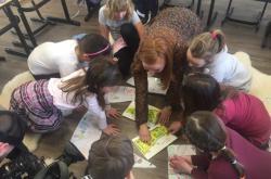 Děti ve Velenově navrhují školní zahradu
