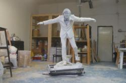 Plastová předloha sochy herce Hrzána