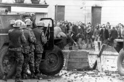 Snímek z událostí při takzvané krvavé neděli v roce 1972