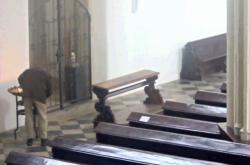 Zloděj v kostele