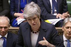 Theresa Mayová při interpelacích v Dolní sněmovně