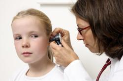 Ilustrační fotografie: Vyšetření ucha