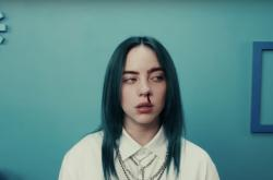 Billie Eilish v klipu bad guy