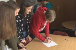 Děti sepsaly petici, nesouhlasily s odstraněním hřiště