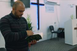 V severosyrském Kobani přibývá konverzí ke křesťanství