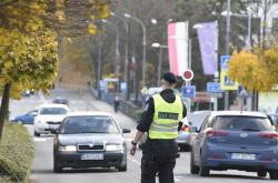 Policisté v Českém Těšíně uzavřeli i hraniční přechod