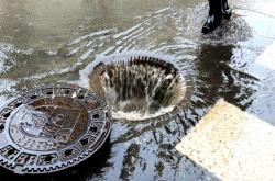 Dešťová voda mizí bez užitku v kanalizaci