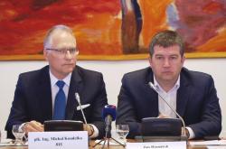 Šéf BIS Michal Koudelka a vicepremiér Jan Hamáček