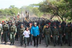 Nicolás Maduro s vojáky