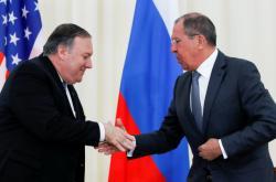 Mike Pompeo a Sergej Lavrov po jednání v Soči