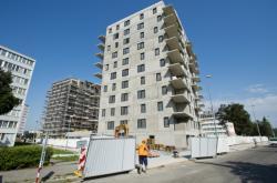 Výstavba bytového domu v Karlíně